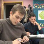 فيديو  مدارس خاصة لتعليم اللغة العربية في موسكو