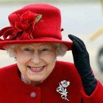ملكة بريطانيا تمنح رينجو ستار عازف إيقاع البيتلز السابق لقب فارس