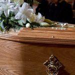 امرأة تلد بعد وفاتها بعشرة أيام