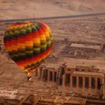 قتيل و7 مصابين في تحطم منطاد على متنه سياح قرب الأقصر جنوب مصر