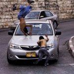 مستوطنة تدهس فتاة فلسطينية في حوارة جنوب نابلس