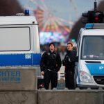 الشرطة الألمانية تحقق في دوافع متطرفة خلف هجوم بسكين في برلين