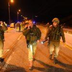 الاحتلال يشن حملة اعتقالات ويبحث عن منفذ عملية نابلس