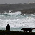 انقطاع الكهرباء عن 200 ألف أسرة في شمال فرنسا بسبب عاصفة شتوية