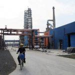 الصين تخطط لشن حملة ضد النمو غير القانوني في طاقة المصافي الإنتاجية