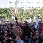 فيديو| الشرطة التونسية تعتقل 41 متظاهرا في إحدى ضواحي العاصمة