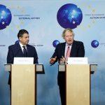 بريطانيا وفرنسا وألمانيا تدعو أمريكا للحفاظ على اتفاق إيران