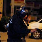 وتيرة الاحتجاجات تتراجع نسبيا في تونس والسلطات تعتقل المزيد