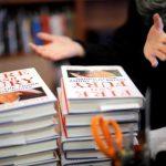 كتاب «نار وغضب داخل بيت ترامب الأبيض» يحقق أفضل مبيعات في أمريكا