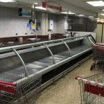 مئات الجوعى ينهبون متاجر ومواشي في غرب فنزويلا