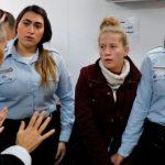سلطات الاحتلال توجه لائحة اتهام بحق عهد التميمي ووالدتها وتمدد اعتقالهما