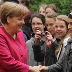 سياسي ألماني من اليمين المتطرف يعتنق الإسلام