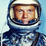 ناسا: وفاة رائد الفضاء الأمريكي المخضرم جون يونج عن 87 عاما