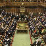 البرلمان البريطاني يلزم ماي بتقديم خطة خروج بديلة من الاتحاد الأوروبي