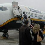 لم تنته رحلتها بسلام.. سيدة أمريكية تسافر عبر الطائرة دون تذكرة ولا جواز سفر
