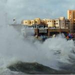 سوء الأحوال الجوية يغلق موانئ مصرية ويثير ضجة على مواقع التواصل