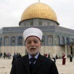 مفتي القدس يحذر الاحتلال من قرار منع رفع الأذان في مساجد المدينة