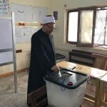 مفتي مصر يدلي بصوته في الانتخابات الرئاسية.. ويحث المصريين على المشاركة بقوة