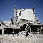 الجيش الروسي يشكك في الهجوم الكيماوي بسوريا ويراقب التحركات الأمريكية