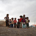 وزير يمني: الحوثيون يستخدمون الأطفال لزرع الألغام وتفخيخ المنازل والمستشفيات