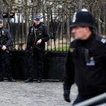 الشرطة البريطانية تعتقل 104 بتهمة انتهاك قيود كورونا
