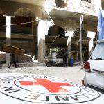 الصليب الأحمر: 25 شاحنة مساعدات تنتظر دخول الغوطة الشرقية