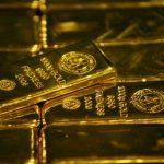 الذهب ينخفض من أعلى مستوى في 11 أسبوعا بفعل بيع لأسباب فنية