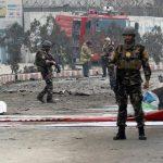 انتحاري يقتل 12 أمام مبنى وزارة في أفغانستان