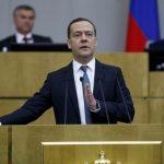 رئيس الوزراء الروسي يدعم تجريم الالتزام بالعقوبات الأمريكية