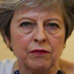 رئيسة الوزراء البريطانية تدعو حكومتها لاجتماع طارئ بشأن سوريا
