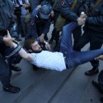 تفاقم الأزمة السياسية في أرمينيا مع اعتقال زعيم حركة الاحتجاج