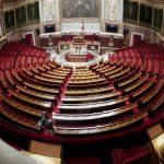 البرلمان الفرنسي يقر مشروع قانون يشدد قواعد اللجوء