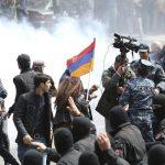 استقالة رئيس وزراء أرمينيا بعد مظاهرات حاشدة في البلاد