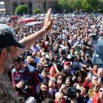 الشرطة الأرمينية تحتشد في وسط يريفان بعد بدء احتجاج