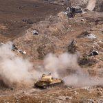 الجيش السوري يقصف مقاتلي المعارضة في درعا