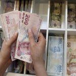 الليرة التركية تهوي لمستويات قياسية مقابل الدولار واليورو
