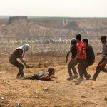 صور| جمعة العودة الثالثة: إصابة 112 مواطنا.. واستمرار استهداف الطواقم الطبية والصحفية