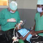 صور| قافلة الأزهر الطبية إلى تشاد تجري 117 عملية جراحية وتفحص 4100 مريض
