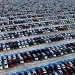 الصين توافق على خفض التعريفات الجمركية على السيارات الأمريكية