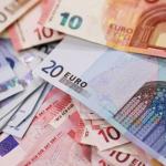 اليورو يرتفع من أقل سعر في 8 أسابيع قبيل اجتماع البنك المركزي