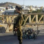 الاحتلال يغلق بشكل كامل الضفة وغزة حتى الخميس المقبل