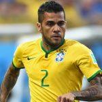 داني الفيس مدافع البرازيل يغيب عن كأس العالم
