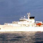 سفينتان حربيتان أمريكيتان تبحران قرب جزر في بحر الصين الجنوبي