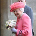 ملكة بريطانيا تعطي موافقتها الرسمية على زفاف حفيدها الأمير هاري