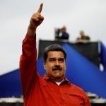 مادورو يعتقل مجموعة من العسكريين بتهمة «التآمر»
