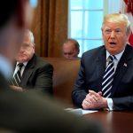 البيت الأبيض يدافع عن استخدام ترامب للفظ