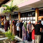 مهاتير محمد يحقق فوزا مدويا بانتخابات ماليزيا