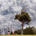 بركان هاواي ينفث رمادا لارتفاع 9 كيلومترات وتوقعات بانفجارات جديدة