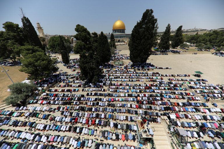 www.alghad.tv/wp-content/uploads/2018/05/2018-05-18T110734Z_2045146942_RC113010B590_RTRMADP_3_RELIGION-RAMADAN-ISRAEL-PALESTINIANS-768x512