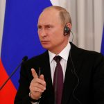 بوتين يدعو لضبط النفس بشأن كوريا الشمالية بعد لقاء مع آبي